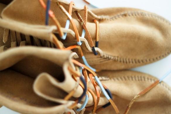 DIY Navajo inspired shoe laces | land of nams